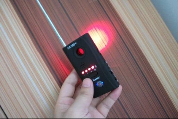 Có thể phát hiện ra camera quay lén bằng thiết bị dò tìm chuyên dụng