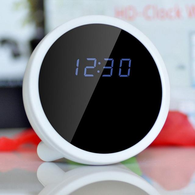 Camera ngụy trang đồng hồ để bàn