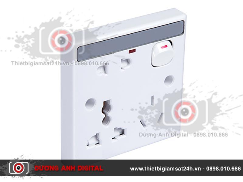 Hệ thống camera siêu nhỏ bên trong ổ cắm điện